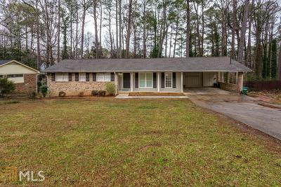 Lilburn Single Family Home For Sale: 586 Beth Ct