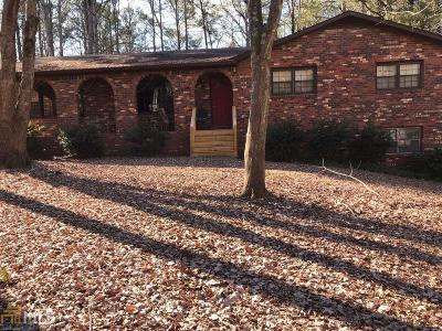 Woodstock Single Family Home For Sale: 306 Hidden Ct