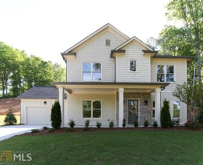 Marietta Single Family Home For Sale: 1800 Starlight