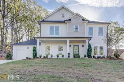 Marietta Single Family Home For Sale: 1804 Starlight