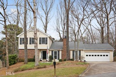Roswell Single Family Home Under Contract: 300 Woodchuck Ct