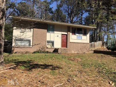 Forest Park Single Family Home For Sale: 852 Brian Ln