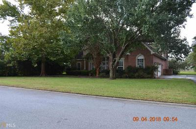 Single Family Home For Sale: 908 Larkspur Ln