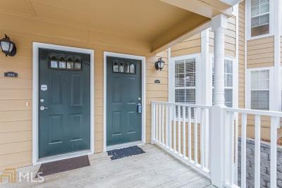 Marietta, Smyrna Condo/Townhouse For Sale: 3940 Riverlook Pkwy #202