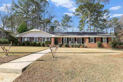 Hampton Single Family Home Under Contract: 7 Ridge Dr