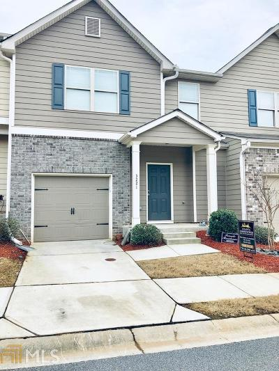 Kennesaw Condo/Townhouse Under Contract: 3221 Blue Springs Trce
