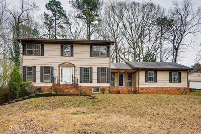Lilburn Single Family Home Under Contract: 489 Fieldstone Ct