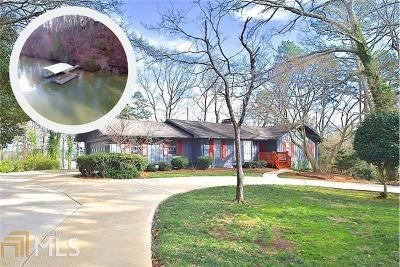 Gainesville Single Family Home For Sale: 3160 Edgewater Dr