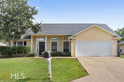 Camden County Rental New: 325 Hallowes Dr