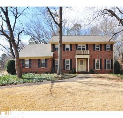 Dunwoody Single Family Home Under Contract: 5135 Meadowlake Ln