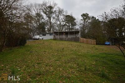 Woodstock Single Family Home Under Contract: 302 Nottingham Dr