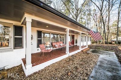 Monroe, Social Circle, Loganville Single Family Home For Sale: 304 Pine Cir