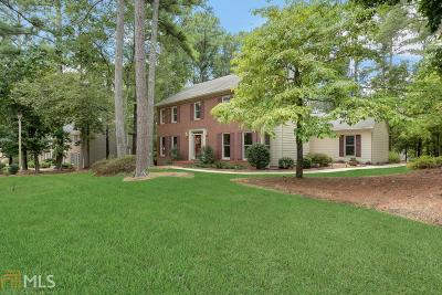 Alpharetta Single Family Home For Sale: 8090 Willow Tree Way