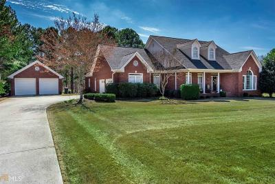Conyers Single Family Home For Sale: 1021 Forest Hills Dr