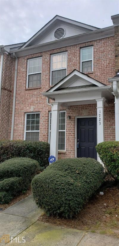 East Point Condo/Townhouse For Sale: 1723 Bayrose Cir