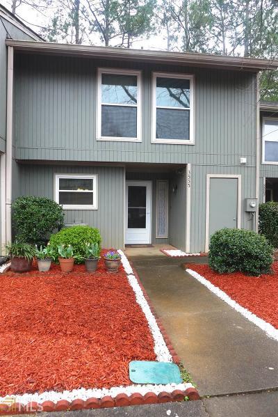 Condo/Townhouse Under Contract: 3555 Splinterwood Dr