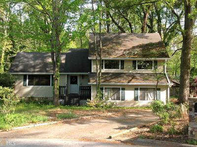 Roswell Single Family Home Under Contract: 560 Tollwood Dr