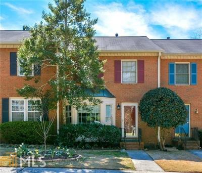Roswell Condo/Townhouse Under Contract: 2007 Raleigh Tavern Dr