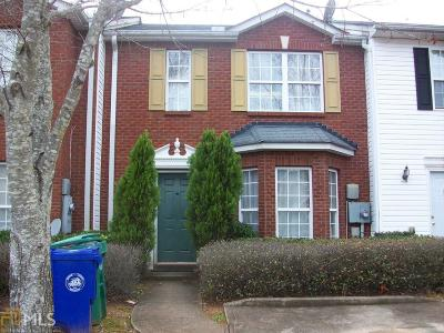 Dekalb County Condo/Townhouse Under Contract: 5572 Strathmoor Manor Cir #150