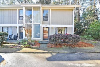 Marietta Condo/Townhouse Under Contract: 668 Powers Ferry N