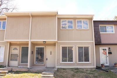 Marietta Condo/Townhouse Under Contract: 1817 Ashborough Cir #H