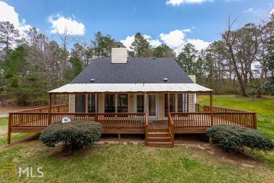 Fairburn Single Family Home New: 10700 Woodruff Rd