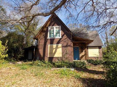 Carrollton Multi Family Home New: 119 W Chandler St