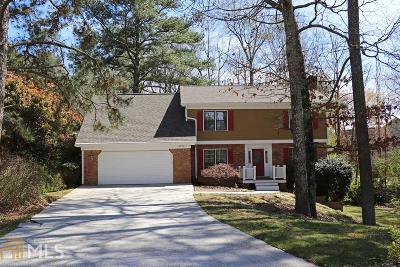 Snellville Single Family Home Under Contract: 3225 Brooks Ct