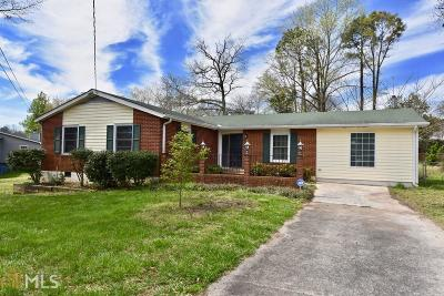 Smyrna Single Family Home Under Contract: 3000 Strathmoor Rd
