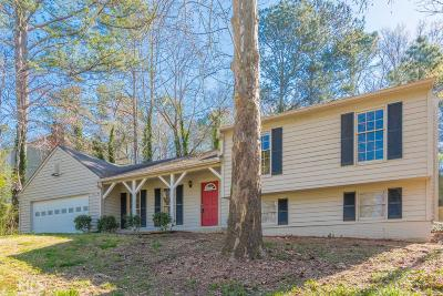 Snellville Single Family Home New: 2864 Creekwood Dr