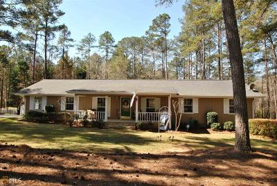 Single Family Home For Sale: 220 Hickory Ridge Rd