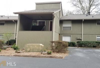 Condo/Townhouse New: 6240 Overlook Rd