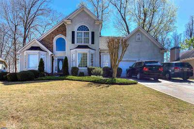 Stone Mountain Single Family Home For Sale: 6970 Glen Cove Ln