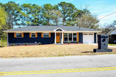 College Park Single Family Home For Sale: 5330 Old Bill Cook Rd