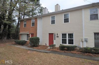 Roswell Condo/Townhouse Under Contract: 427 Paper Mill Lndg