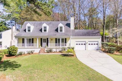 Roswell Single Family Home Under Contract: 2060 Laurel Mill Way