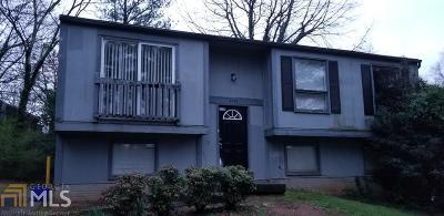 Stone Mountain Single Family Home For Sale: 4976 Isle Royal Ct