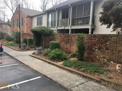 Chamblee Condo/Townhouse For Sale: 3093 Colonial Way #E