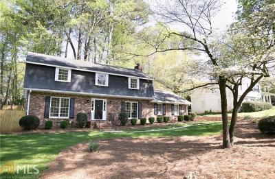 Roswell Single Family Home For Sale: 9825 La View Cir