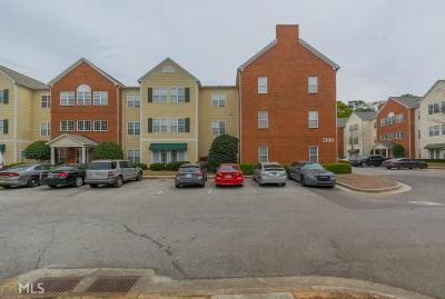 Hapeville Condo/Townhouse For Sale: 3300 Dogwood Dr #117