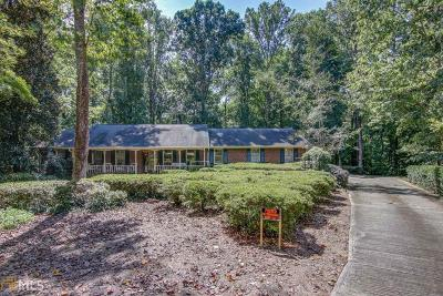 Rockdale County Single Family Home For Sale: 815 Sweet Briar Ln