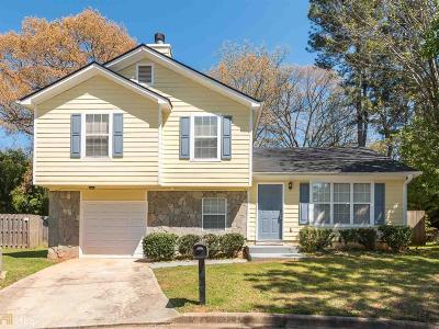 Stone Mountain Single Family Home For Sale: 1322 Stoneleigh Way