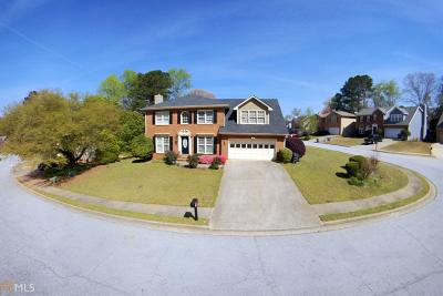 Snellville Single Family Home Under Contract: 3100 Oak Meadow Dr