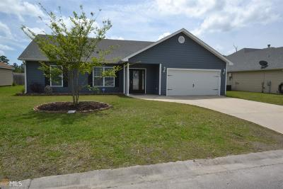 Kingsland Single Family Home New: 240 Hideaway Lake Dr