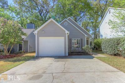 Smyrna Single Family Home Under Contract: 2304 Kissing Tree Ln