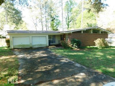 Smyrna Single Family Home Under Contract: 2011 Nancy Cir