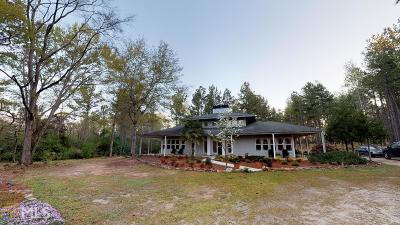 Barnesville Single Family Home For Sale: 207 Steeplechase