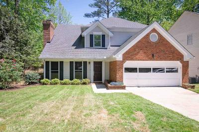 Roswell Single Family Home Under Contract: 515 Ambergate Ct