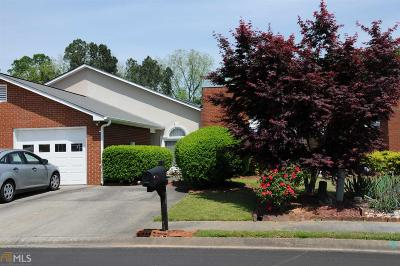 Fayette County Condo/Townhouse New: 165 Courtyard Ln