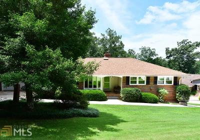 Buford  Single Family Home For Sale: 6041 Blackberry Ln